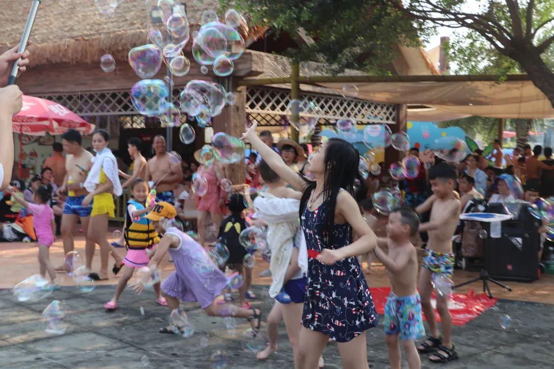 今年五一假期,百色星河水上乐园又又又爆了!! 今年,五一,假期,百色,星河,作者:baisekandian