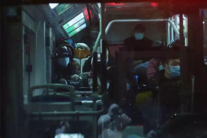记者在武汉拍下的这一幕,让中央赴湖北指导组震怒!2773 作者:芒果飘香 帖子ID:278573 记者,在武汉,武汉,一幕,中央,